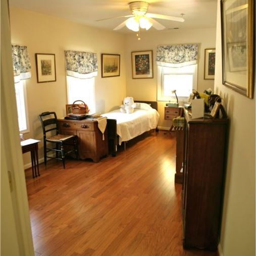 AlfredHouse II - Silver Spring, MD - Bedroom