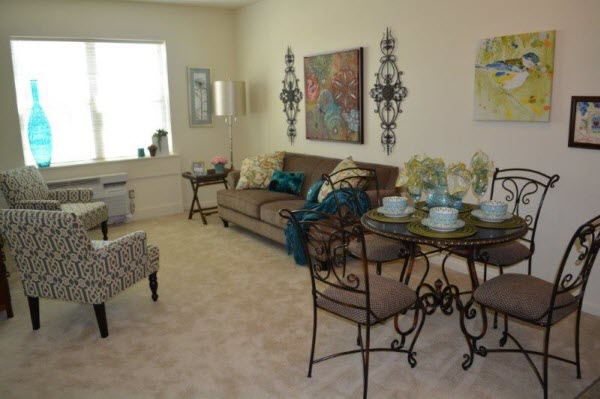 Allison Meadows Assisted Living - Living Room