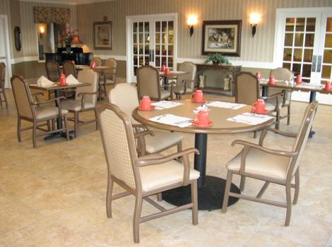 Amber Glen Alzheimer's Special Care Center - Urbana, IL - Dining Room