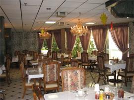 Arcadia Gardens Retirement Hotel, CA - Dining Room