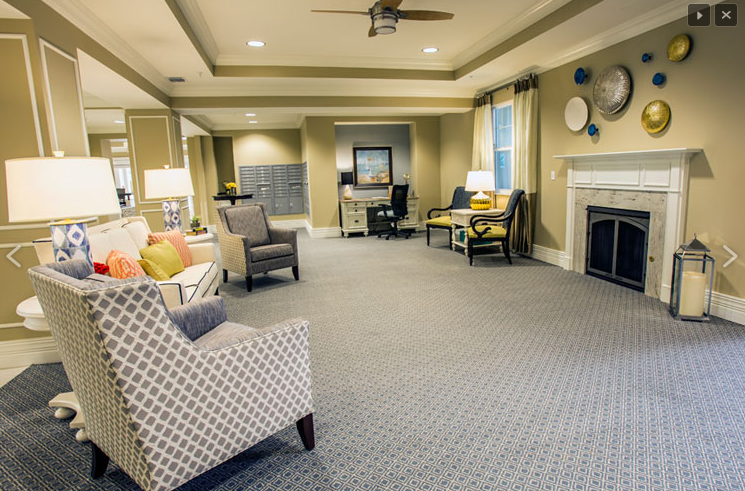 Beach House Assisted Living and Memory Care - Jacksonville Beach, FL - Lounge