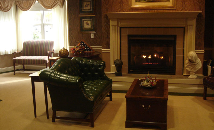 Benchmark Senior Living at Forge Hill - Franklin, MA - Lounge