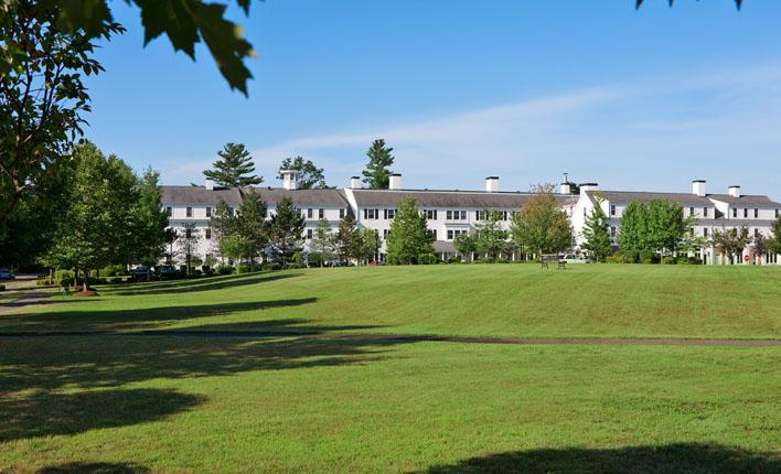 Benchmark Senior Living at Robbins Brook - Acton, MA - Campus