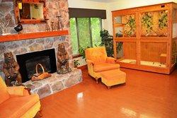 Bethlehem Woods - Fort Wayne, IN - Fireplace Lounge