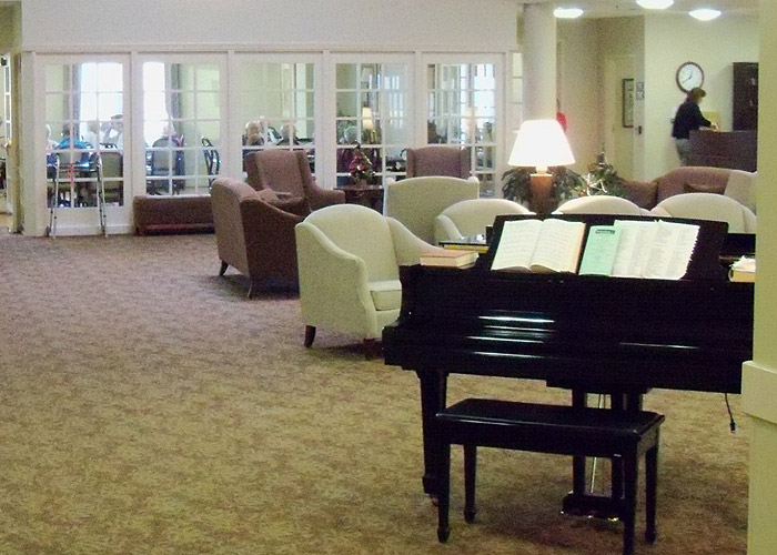 Broadmore Senior Living at Bristol - Bristol, TN - Piano Lounge