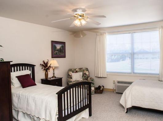 Brookdale Hutchinson, KS - Bedroom
