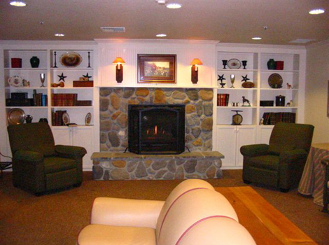 Brookstone Alzheimer's Special Care Center - Salem, OR - Fireplace Lounge