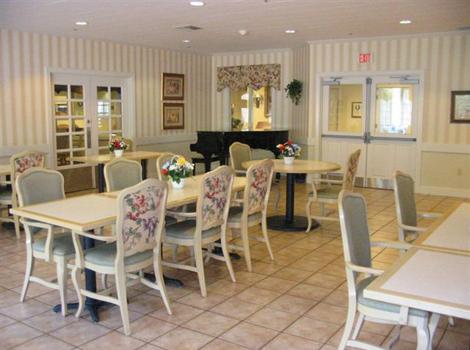 Brookstone Alzheimer's Special Care Center - Salem, OR - Community Kitchen