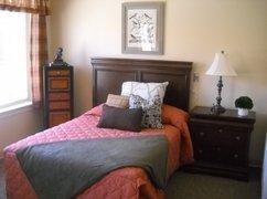 Caleo Bay Alzheimer's Special Care Center - La Quinta, CA - Bedroom