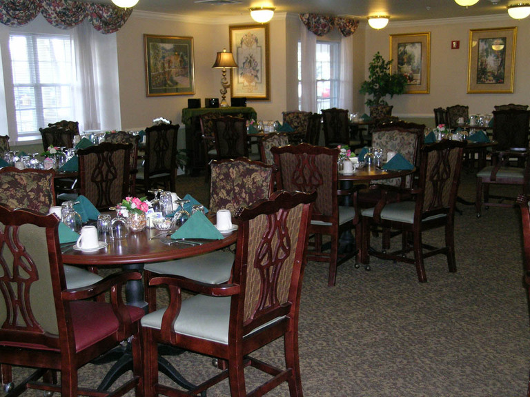 Carriage Court of Hilliard, OH - Dining Room