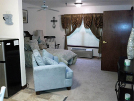 Carriage House Assisted Living - Denton, TX - Apartment
