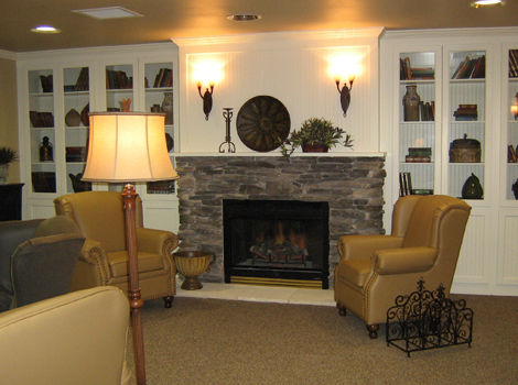 Cedar Ridge Alzheimer's Special Care Center - Cedar Ridge, TX - Fireplace Lounge
