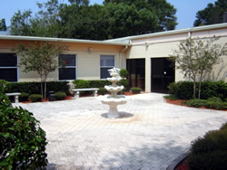 Central Tampa Assisted Living, FL - Courtyard