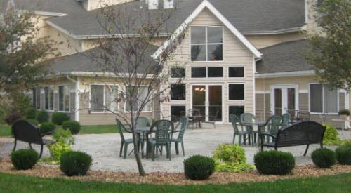 College View Manor - Joplin, MO - Patio