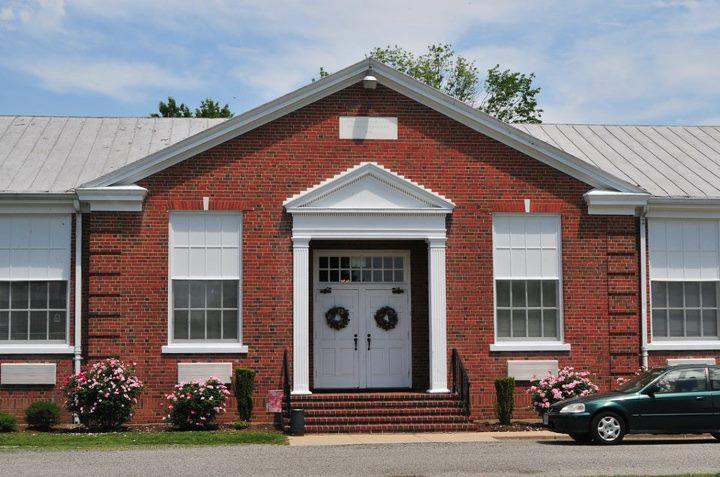 Commonwealth Assisted Living at Farnham Manor, VA - Exterior