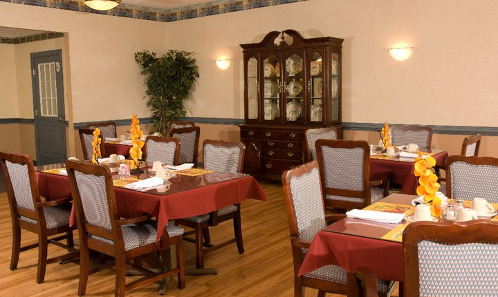 Commonwealth Assisted Living at Kilmarnock, VA - Dining Room