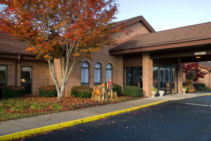 Commonwealth Assisted Living Hillsville, VA - Exterior