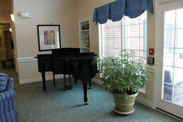 Country Place Senior Living Lyons, KS - Piano Lounge