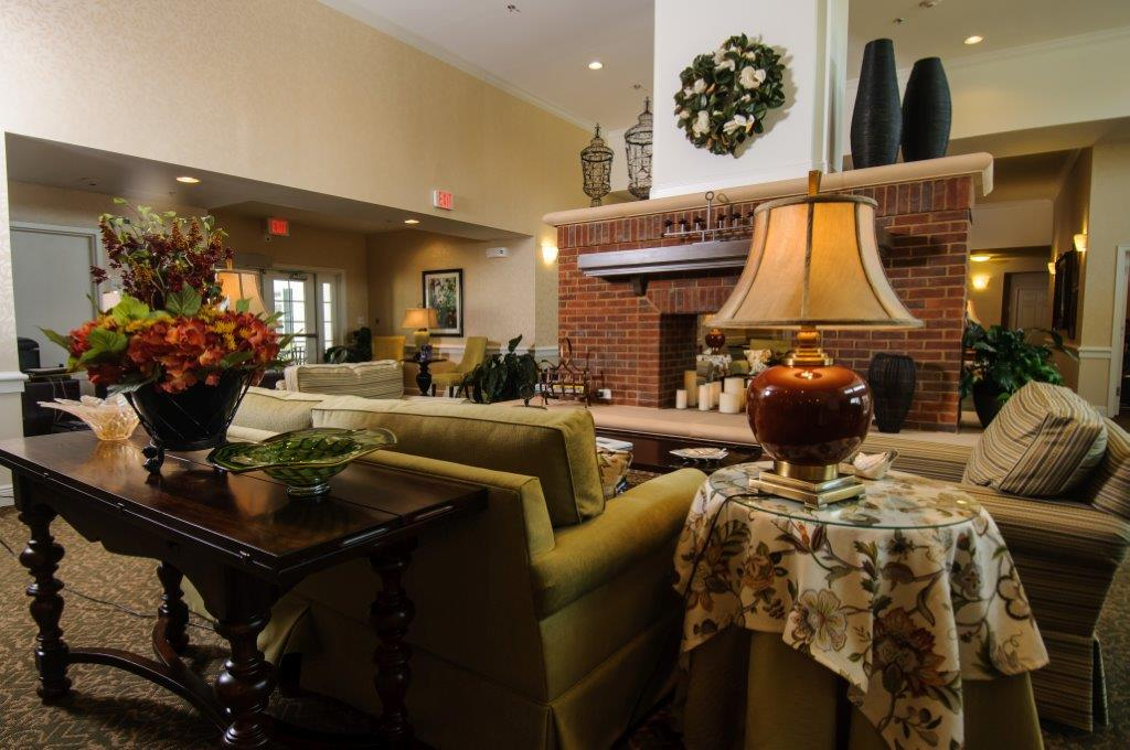 Country Place Senior Living of Canton Mulberry Residence, TX - Sitting Lounge