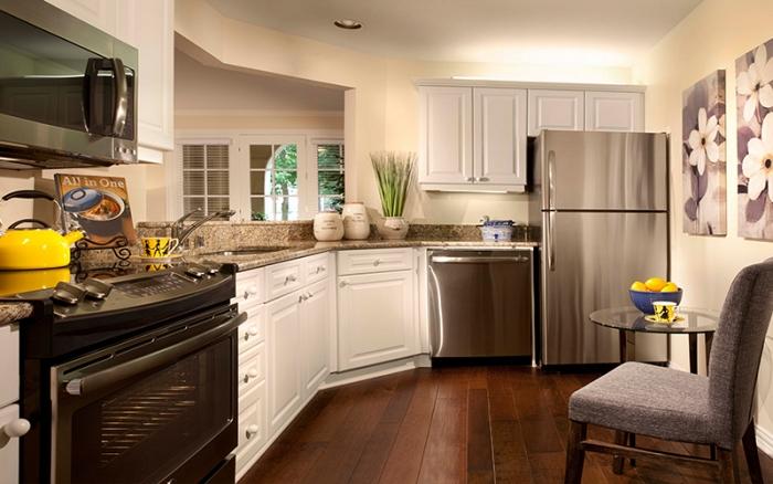 Edgemere - Dallas, TX - Apartment Kitchen