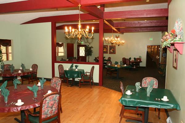 Elmcroft of Allison Park, PA - Dining Room