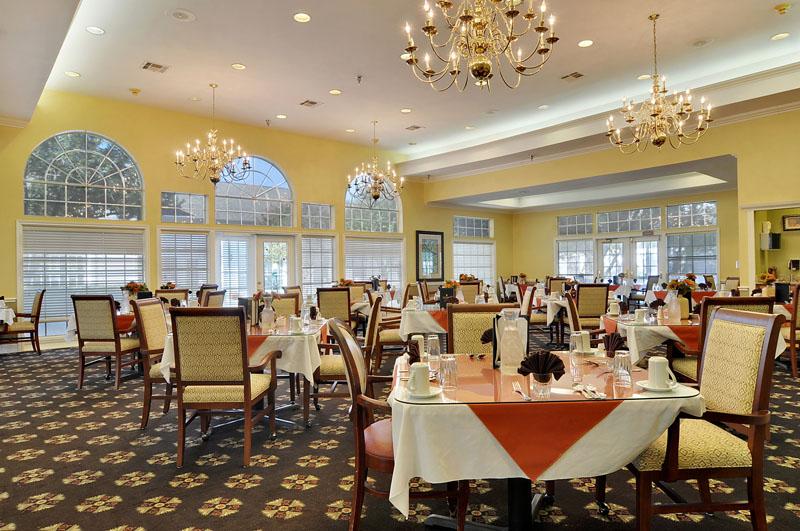 Elmcroft of Arlington, TX - Dining Room