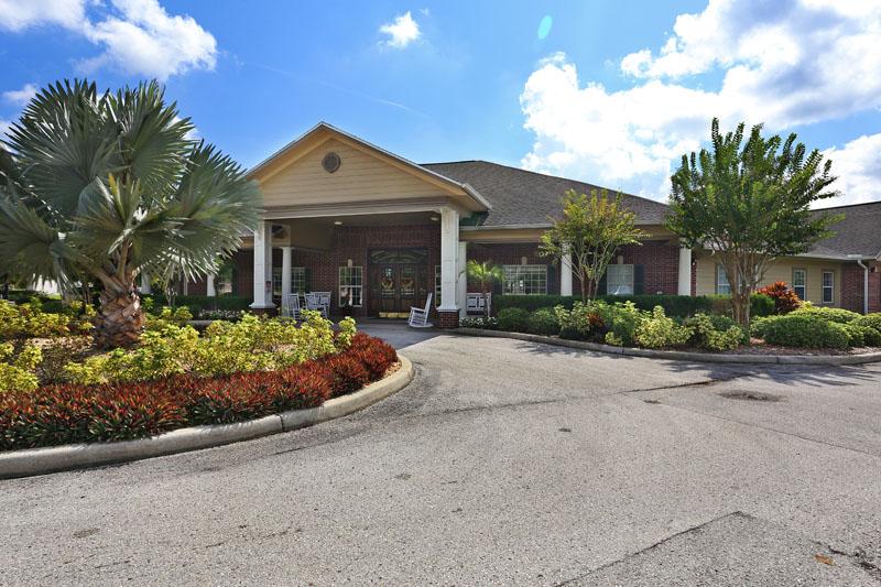 Elmcroft of Carrollwood - Tampa, FL - Exterior