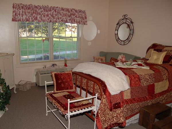 Elmcroft of Halls - Knoxville, TN - Apartment Bedroom