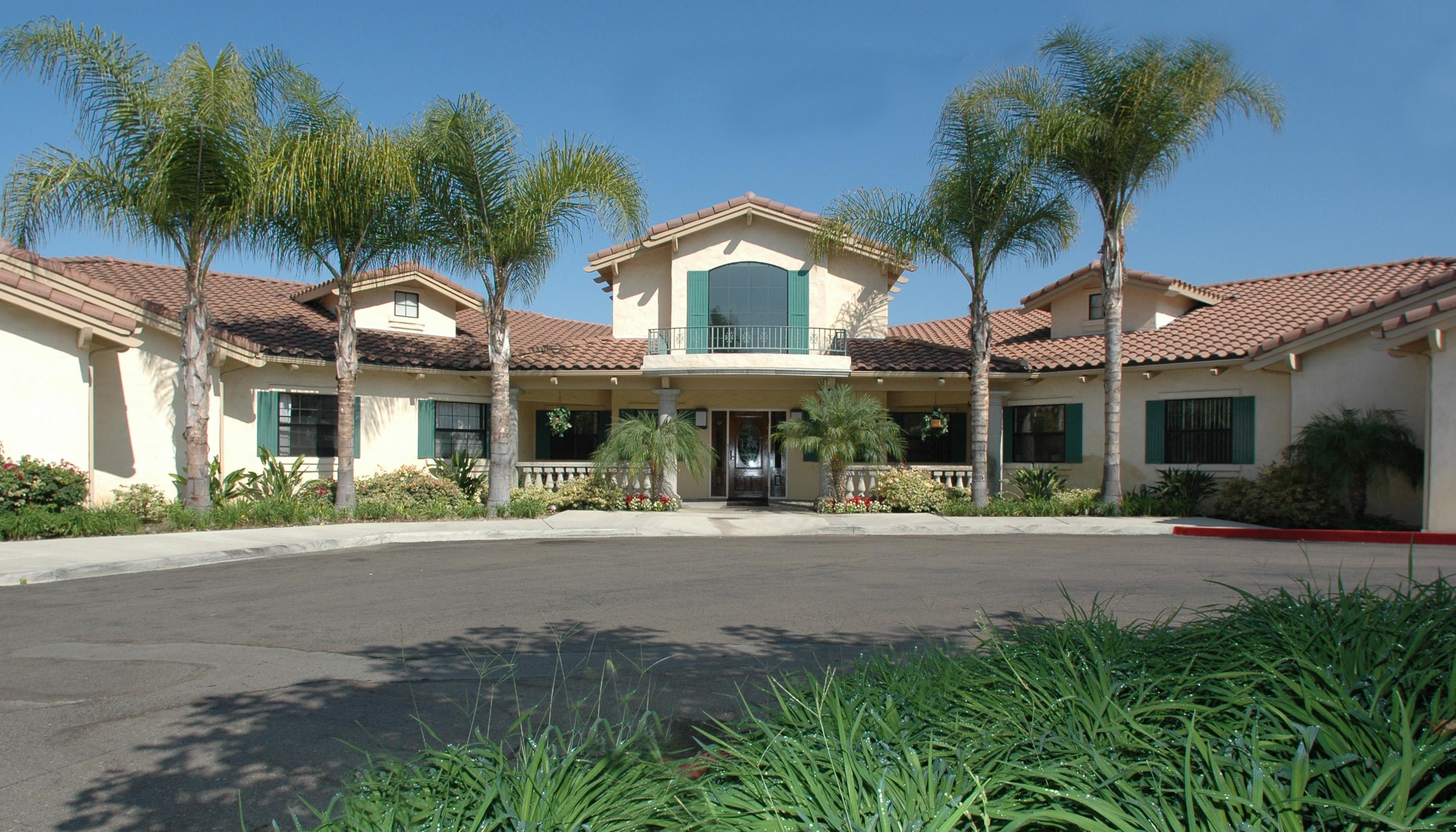 Elmcroft of La Mesa, CA - Exterior