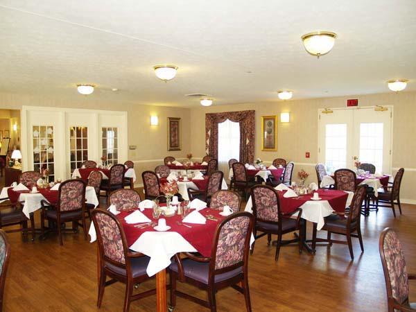 Elmcroft of Lebanon, PA - Dining Room