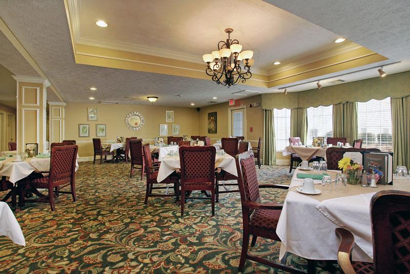 Elmcroft of Martinez, GA - Dining Room