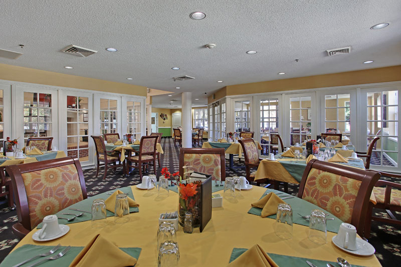 Elmcroft of Maumelle, AR - Dining Room