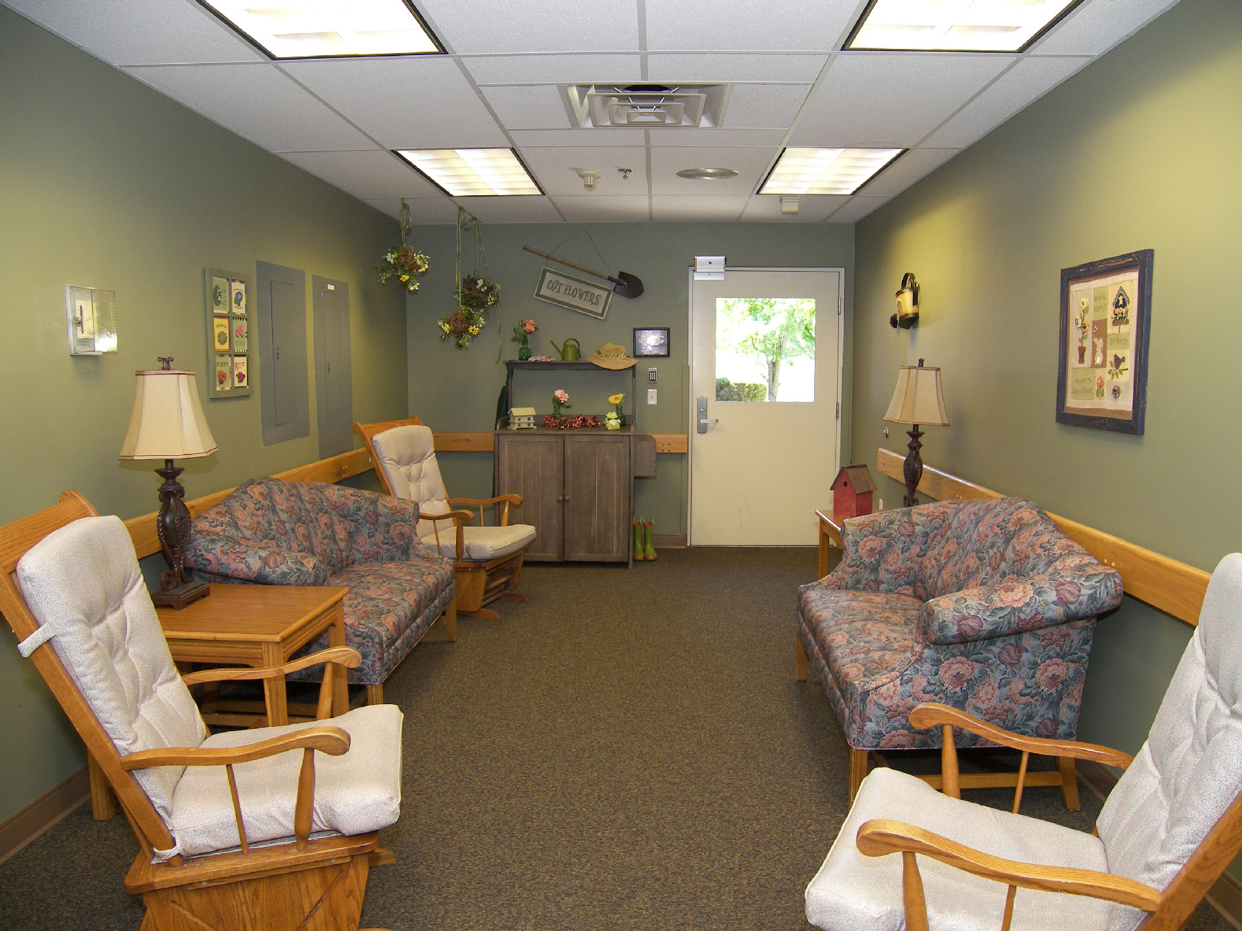 Elmcroft of Mid Valley - Peckville, PA - Community Room