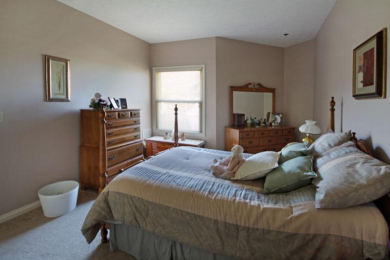 Elmcroft of Mount Washington, KY - Apartment Bedroom
