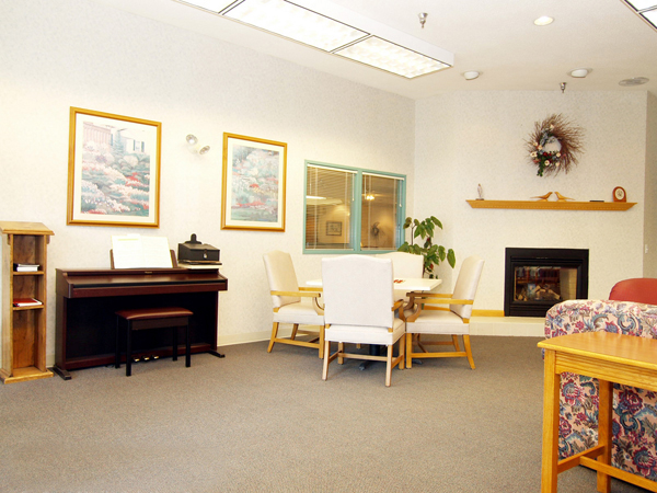 Elmcroft of Reedsville, PA - Activity Room