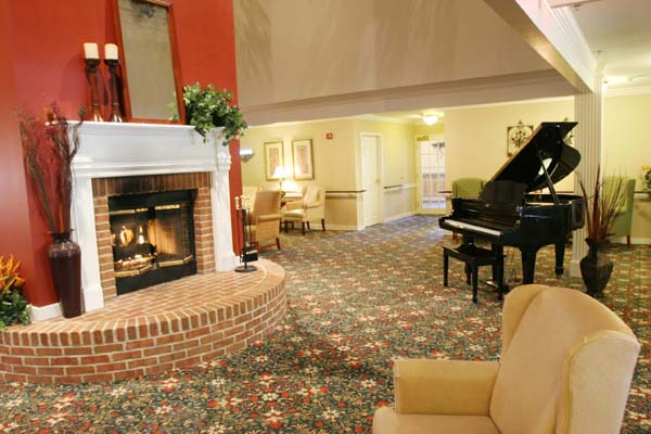 Elmcroft of Sagamore Hills, OH - Fireplace Lounge