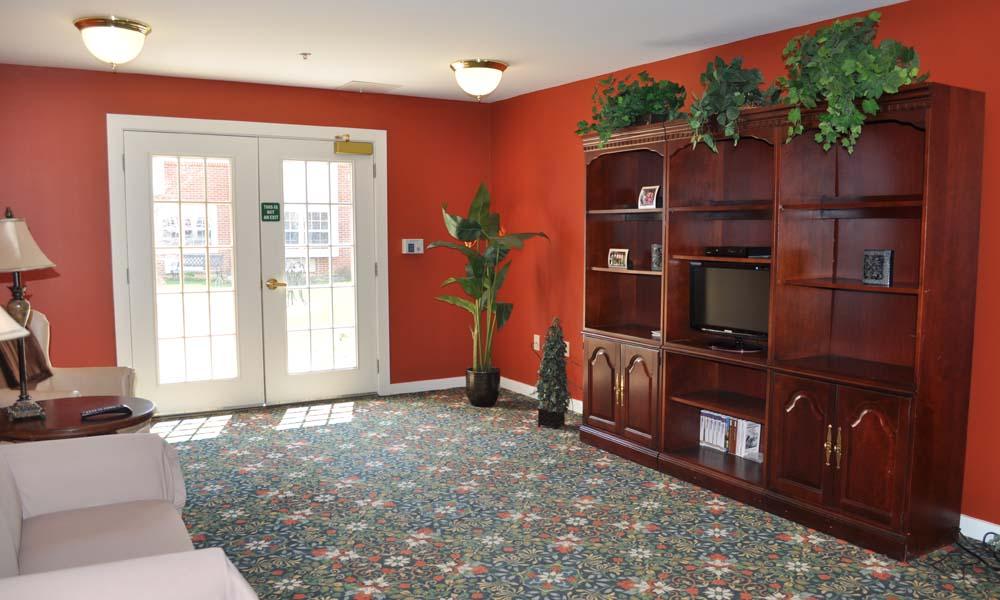 Elmcroft of Sagamore Hills, OH - TV Room
