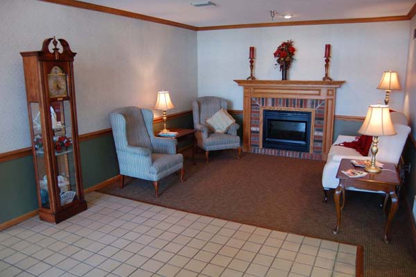 Elmcroft of Saxonburg, PA - Lounge