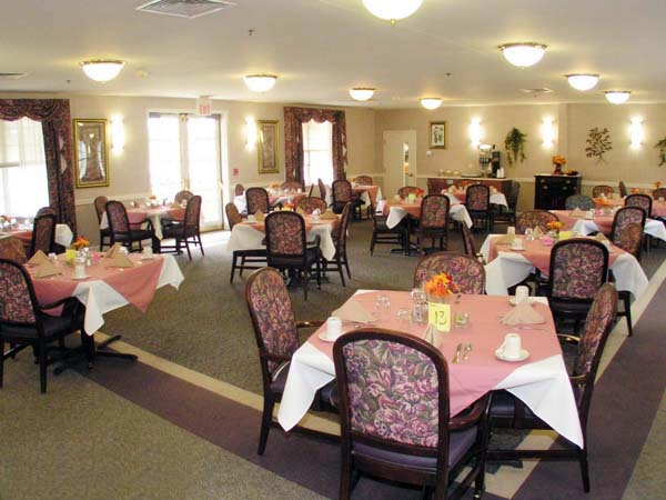 Elmcroft of Shippensburg, PA - Dining Room