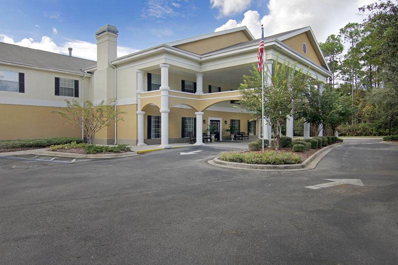 Elmcroft of Timberlin Parc - Jacksonville, FL - Exterior
