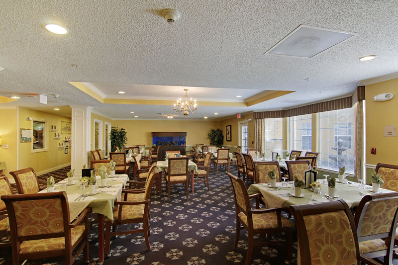 Elmcroft of Timberlin Parc - Jacksonville, FL - Dining Room