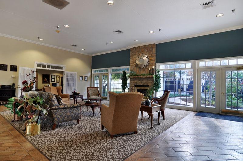 Elmcroft of Vista Ridge - Lewisville, TX - Lounge