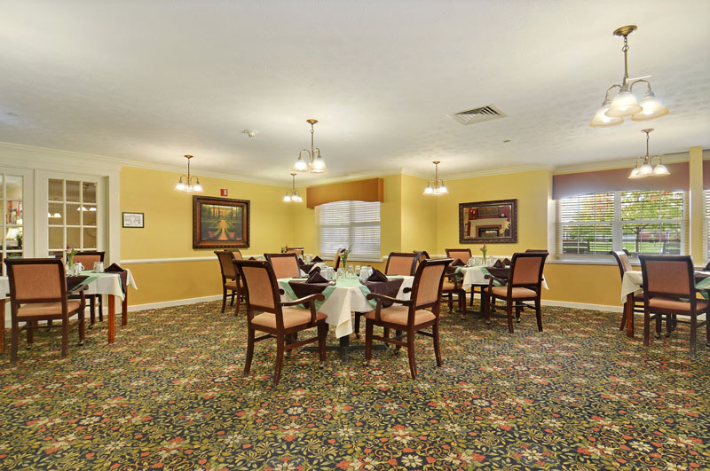 Elmcroft of Washington Township - Miamisburg, OH - Dining Room