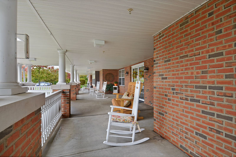 Elmcroft of Washington Township - Miamisburg, OH - Front Porch