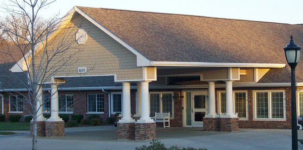 Glen Oaks Alzheimer's Special Care Center - Urbandale, IA - Exterior