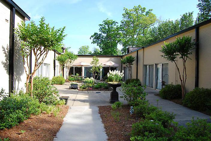 Golden LivingCenter-Decatur, GA - Courtyard