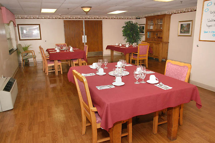 Golden LivingCenter - Phoenixville, PA - Dining Room