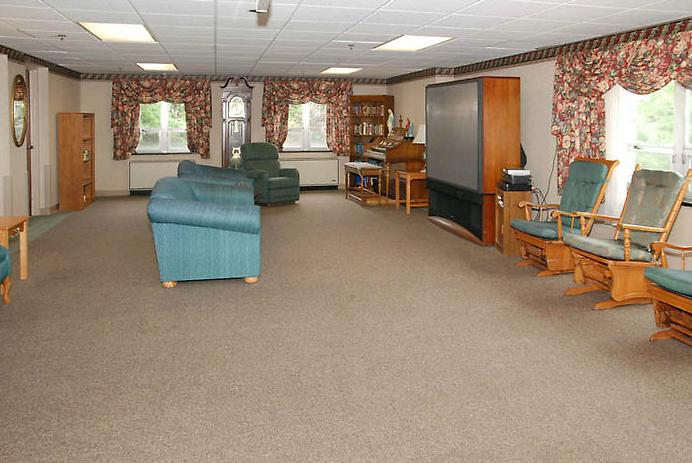 Golden LivingCenter - Phoenixville, PA - TV Lounge