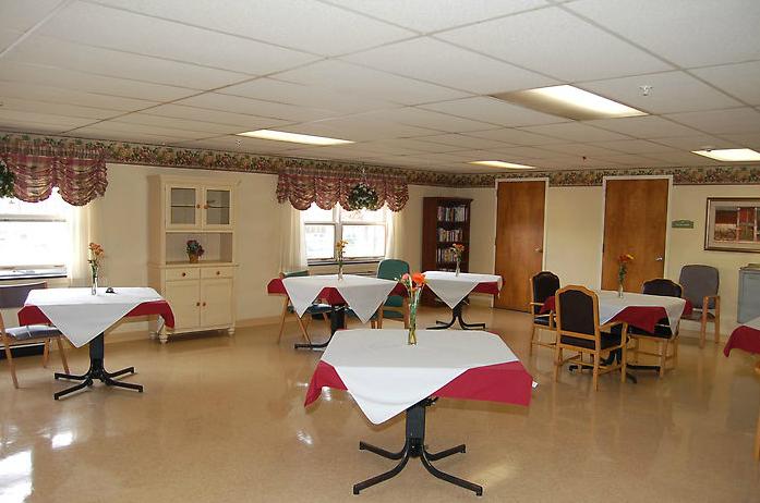 Golden LivingCenter-Stroud - East Stroudsburg, PA - Dining Area