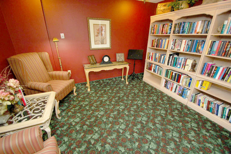 Grand Villa of Ormond Beach - Ormond Beach, FL - Library